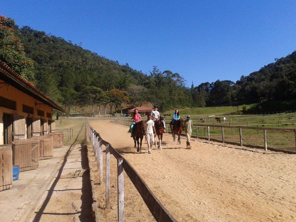 Passeio a cavalo na Hípica Pelajo